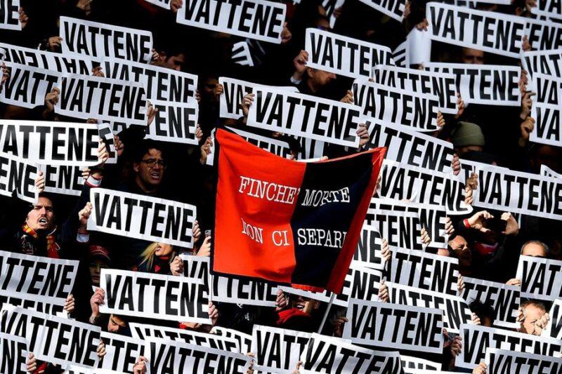 Genoa: bandierine rossoblù alle finestre per contestare Preziosi