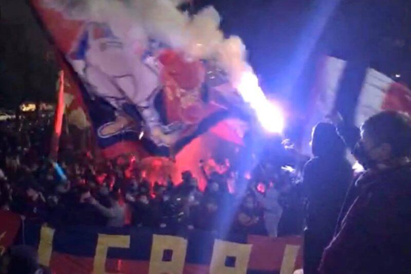 I pugni al cielo di Ballardini (video) e il messaggio alla squadra prima del derby